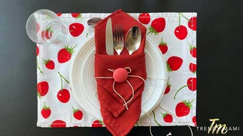 How to fold napkins